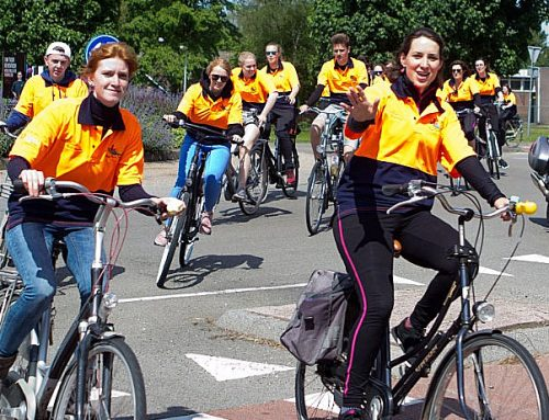 Vijf jonge vrouwen uit IJsselmuiden vertrekken voor hulp naar Afrika