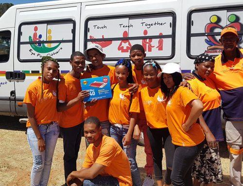 In Ritchie, Zuid-Afrika, traint XS4ALL jonge mensen in het gebruik van internet.