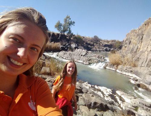 Annelie en Janneke blog 2: Met een bakkie naar de rivier …